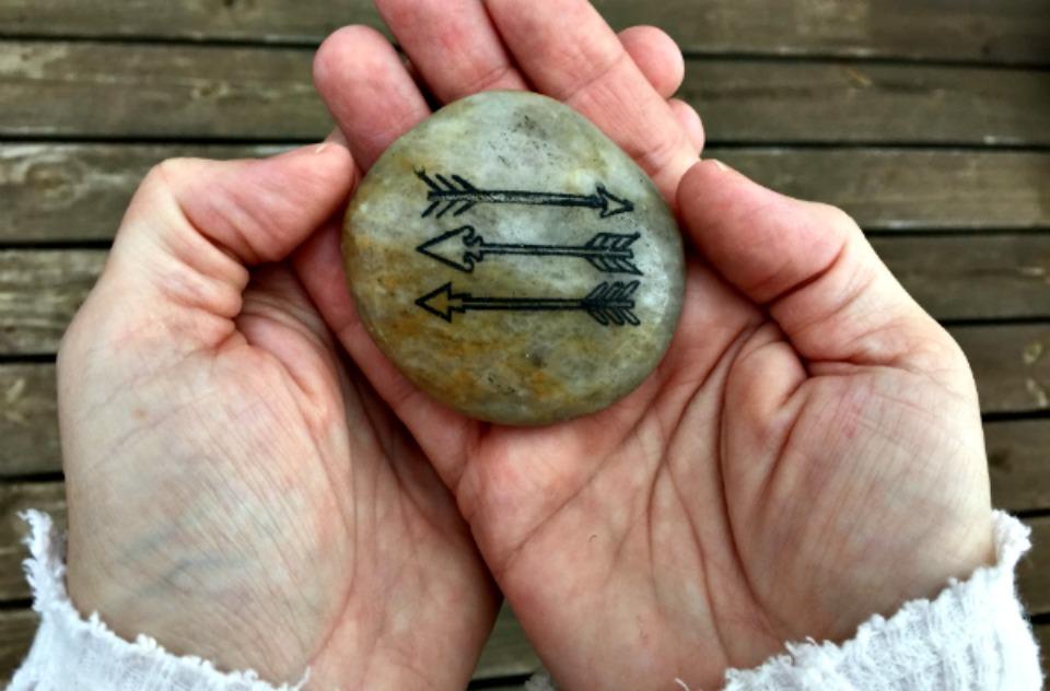 Arrow Stone